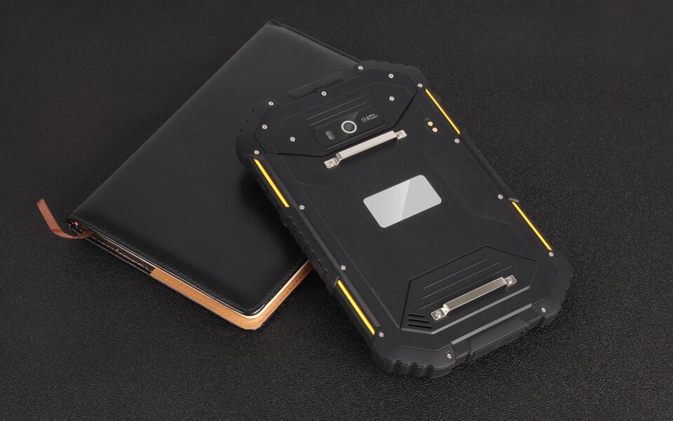 waterproof-industrial-tablet-08