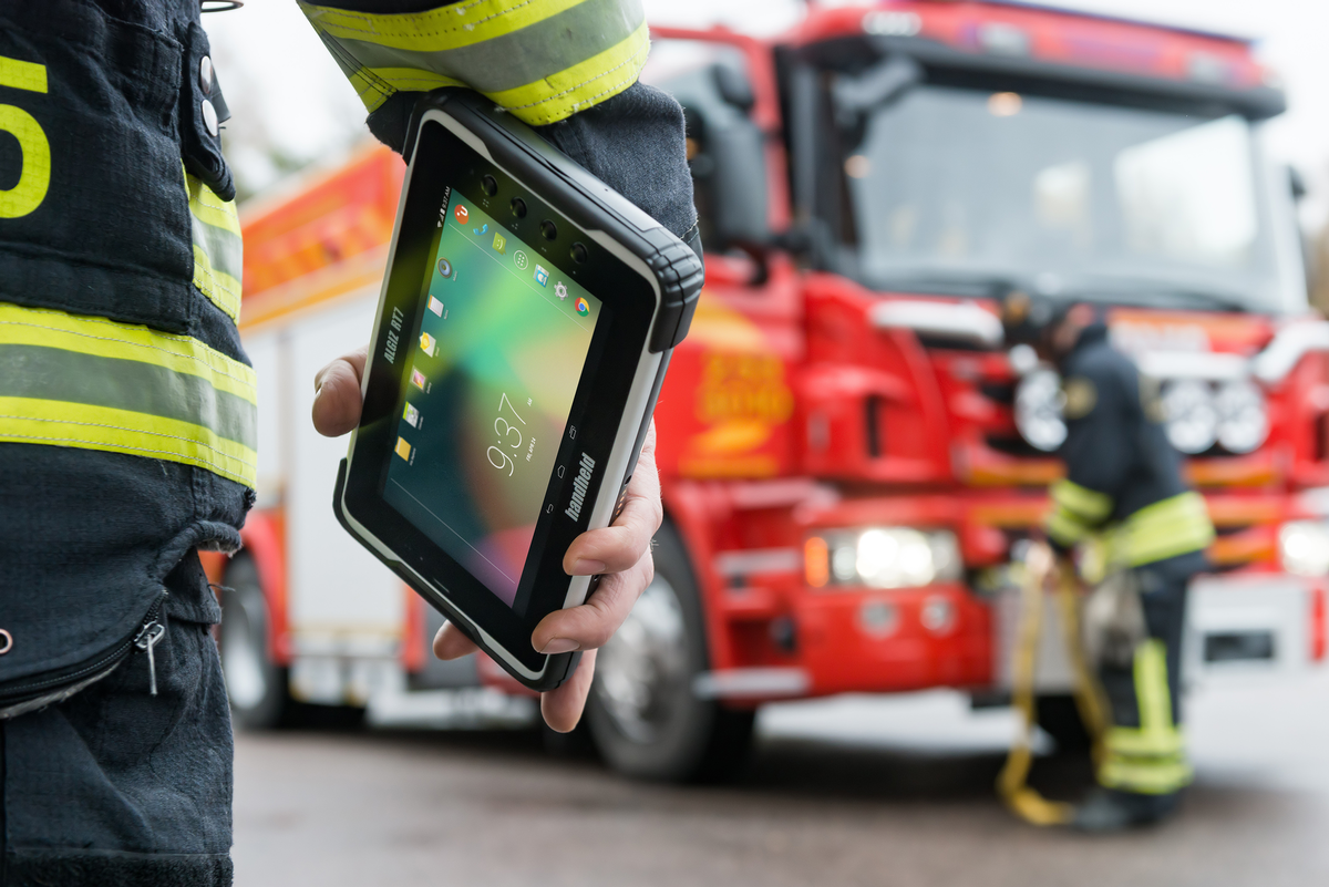 Why Do Frontline Workers Need OEM Android Rugged Tablet